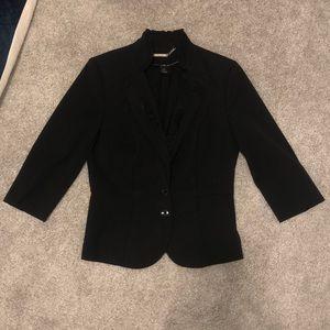 WHBM  3/4 sleeve Blazer w ruffled collar & front🧥